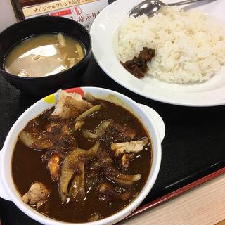 ごろごろ煮込みチキンカレー 大盛(松屋 東戸塚西口店)