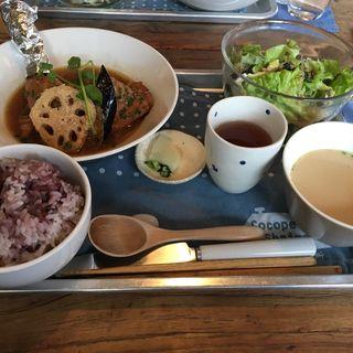 豚スペアリブの煮込みランチ(海と畑の台所 Cocopelli Shrimp (ココペリシュリンプ))