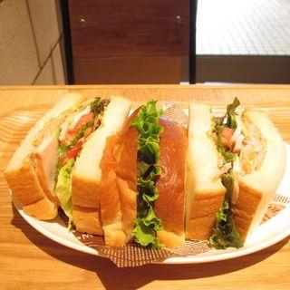野菜にたっぷりとりごぼうサンド(志津屋 七条店 )