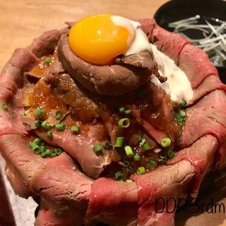 ローストビーフ丼 特盛り(ライブフードマーケット ヨドバシAKIBA店 )
