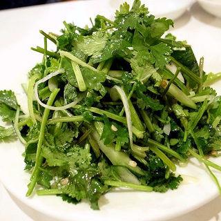 香菜と青唐辛子のサラダ(味坊)
