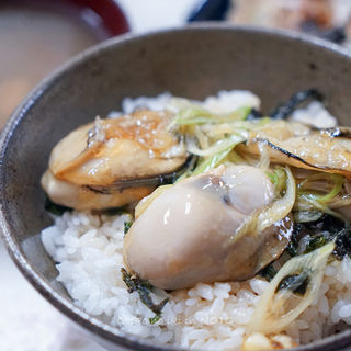 岩牡蠣丼(むろや )