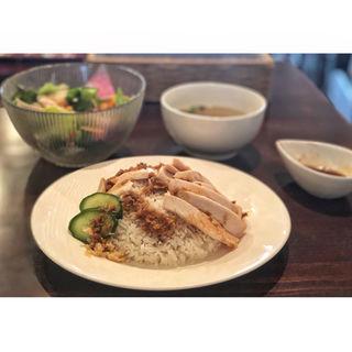 大山鶏のカオマンガイ(Osteria 242 (ニイヨンニイ))