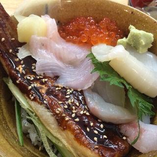 三陸特選海鮮丼