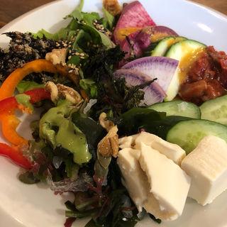 サラダブュッフェ(野菜がおいしいダイニング LONGINGHOUSE 神宮前店 (ヤサイガオイシイダイニング ロンギングハウス))