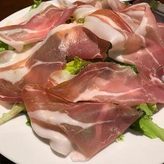 プロシュートのサラダ(ピッツェリア・エ・バール・レガーメ (Pizzeria e bar LEGAME))