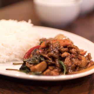 ガパオライス(D.D. Thaifood)