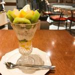 キウイフルーツとマンゴーのvitaminaパフェ