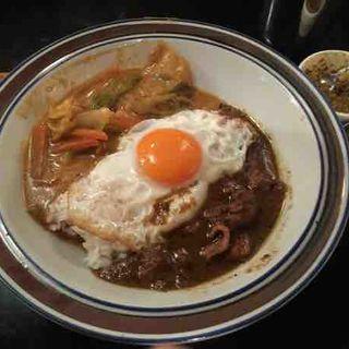 卵つきカレーライス(ブラン亭)