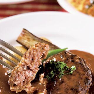 近江牛ハンバーグ(惣菜、サラダ、ライスまたはパン付き)(ラ・ブシュリー・近江 (La boucherie Omi))