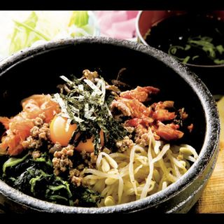 石焼ピビンパ定食(サラダ、スープ、お新香付き)(路地裏 (ろじうら))