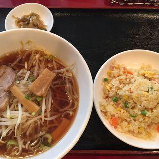 ラーメン・チャーハン定食(祥龍房 新宿イーストサイドスクエア店 )