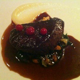牛頬肉の赤ワイン煮 ブルゴーニュ風(BREEZE OF TOKYO (ブリーズ・オブ・トウキョウ))