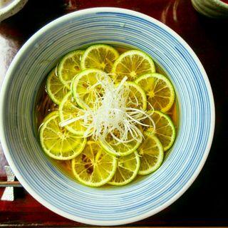 すだち蕎麦(打心蕎庵 (だしんそあん))