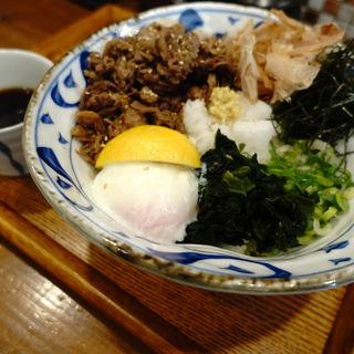 国産牛たっぷり100gと温泉玉子のぶっかけ(うどん小屋 柔製麺)