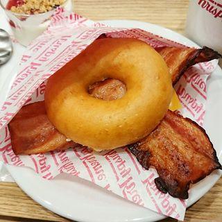ドーナツバーガー(クリスピー・クリーム・ドーナツ 有楽町イトシア店 (Krispy Kreme Doughnuts))