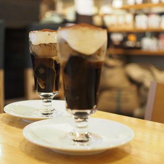 コーヒーゼリーパフェ(アイリッシュウイスキー入り)(ピーク ロースト コーヒー )