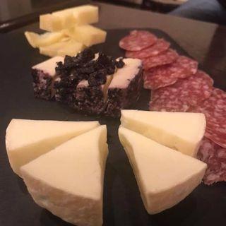 チーズの盛り合わせ(カフェ ドルチェ (cafe DOLCE))