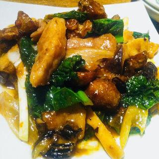 恵水ポーク豚トロと茄子、青菜の酢を使ったXO醬炒め(広東名菜 福鼓樓)