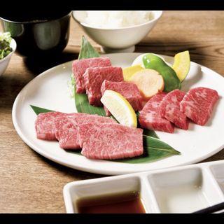 厳選和牛カルビ三昧セット(ごはん、スープ、サラダ付き)(焼肉たむら)
