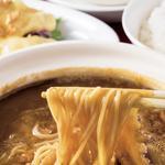頂上麺セット(醤油味)〈ふかひれの煮込みつゆそば(ハーフサイズ)・海老のマヨネーズ和え・ごはん・アンニン豆腐〉