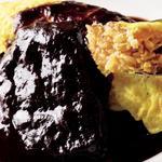 和牛ホホ肉の赤ワイン煮込みオムライス添え