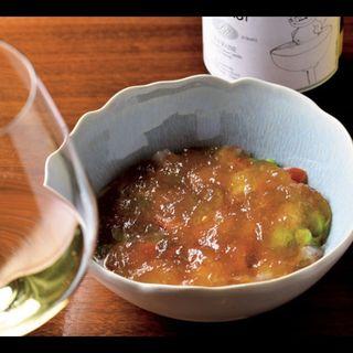 海老と野菜のマリネ、人参ムースとコンソメジュレ(ラ・ミニョネット )