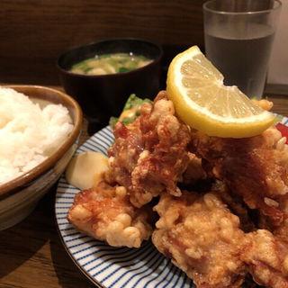 鶏の唐揚げ定食(二万馬力 )