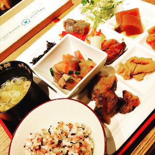 大人気30品目以上惣菜バー付ランチ(井の壱 (INO-ICHI))