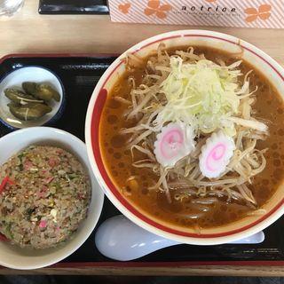 ピリ辛もやし味噌ラーメン(麺屋美麓 )