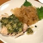 クラゲと蒸し鶏ネギソースの前菜(美龍 (メイロン))