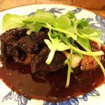フランス産シャロレー牛ホホ肉の赤ワイン煮込み