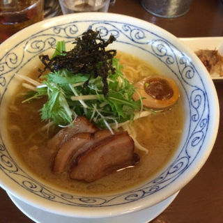 鶏骨 醤油ラーメン(鶏骨スープ 青桐 (けいこつすーぷあおぎり))