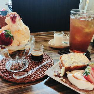 ケーキセット+アフォガード(ショコラ (CAFE CHOCOLAT))