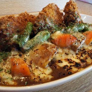 炙りチーズ野菜チキンカツカレー(カレーや うえの )