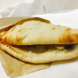 カルツォーネ 6種のチーズとイベリコベーコン(ドトールコーヒーショップ 札幌南一条通り店)