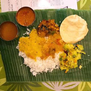 南インド式ベジミールス食べ放題(マドラスミールス (madras meals))