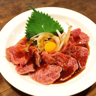 ローストビーフユッケ風(わすれな草 (ワスレナグサ))