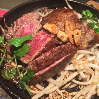 見覧牛のステーキ(MARU (まる))