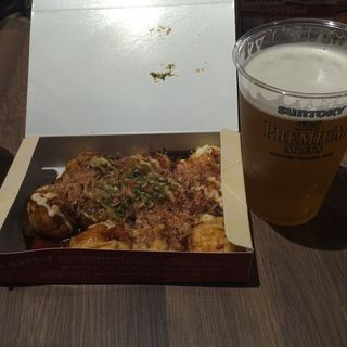 大たこ入りたこ焼き(道頓堀くくる 本店 (どうとんぼりくくる))