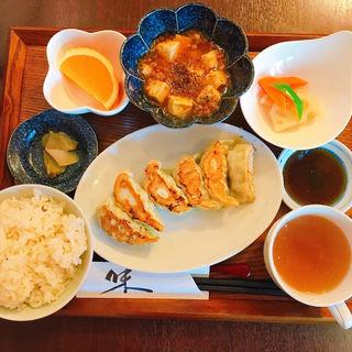 餃子・麻婆豆腐セット(六花)
