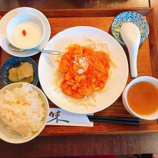 卵入りエビチリ定食(六花)