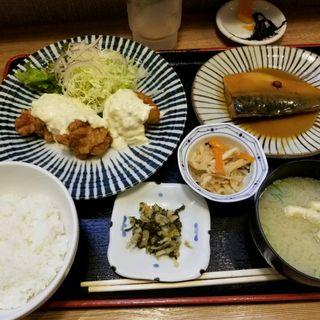 チキン南蛮の本日の煮魚定食(天神 わっぱ定食堂 )