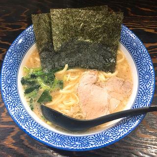 豚骨醤油ラーメン(豚骨醤油 蕾 (とんこつしょうゆ つぼみ))