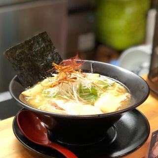 鶏白湯 醤油ラーメン(鶏冠 (トサカ))