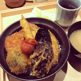 野菜かつ丼(新潟カツ丼 タレカツ 神保町本店 )