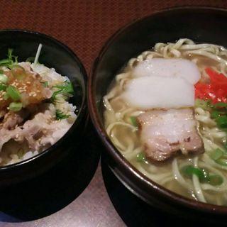 豚しゃぶ丼 + 沖縄そば(あしびなー)