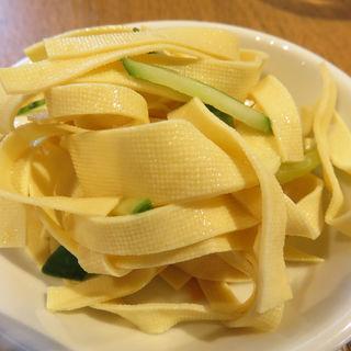 干豆腐の和え物(豆皿中華Q)