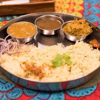 トリプルディッシュ(インド家庭料理 ミレンガ)