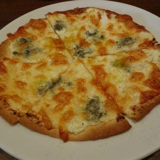 4種のチーズピッツァ(ハージーズ )